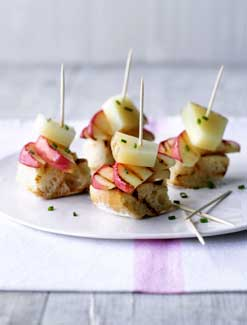 Spanish Pink Lady<sup>®</sup> Apple and Manchego Tapas