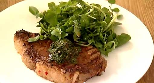 Grilled Steak with a Hot and Spicy Chimichurri Sauce
