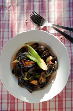 Mussels with Celery, Tomatoes and Thyme